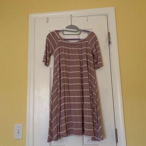 Off-shoulder, mauv pink colored dress (M)